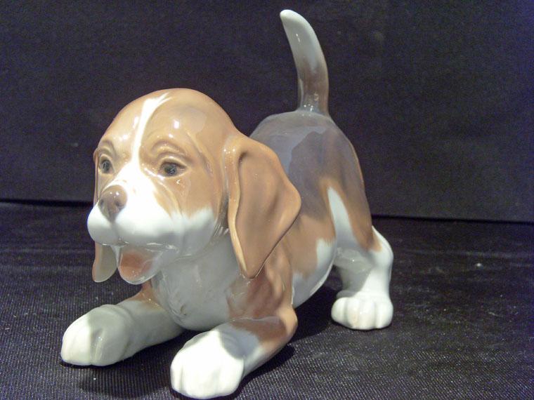 Bing & Grondahl Figurine #2564 Standing Beagle