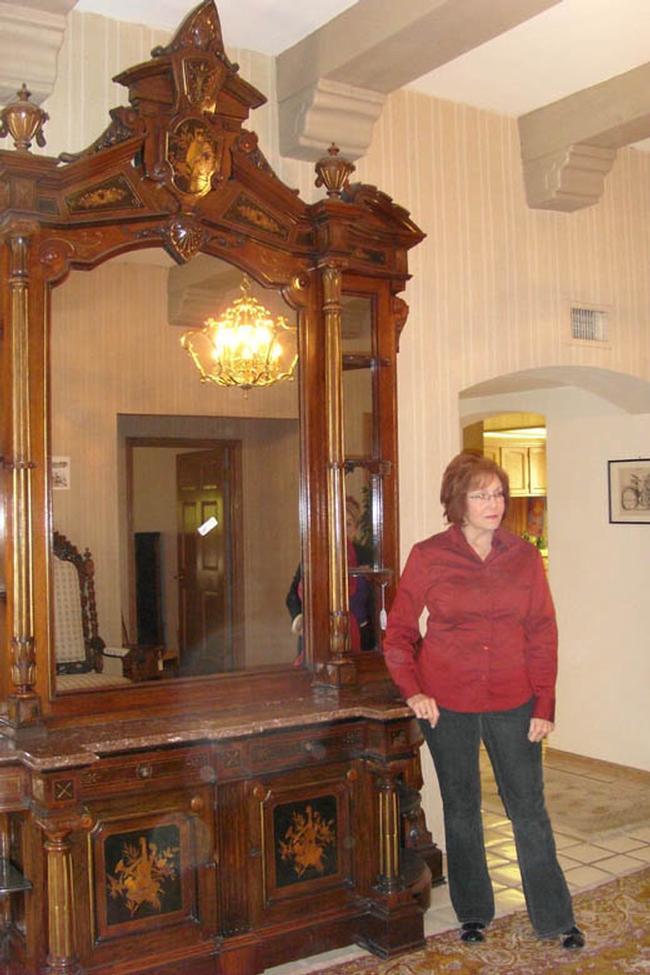 Renaissance Revival Victorian Etagere