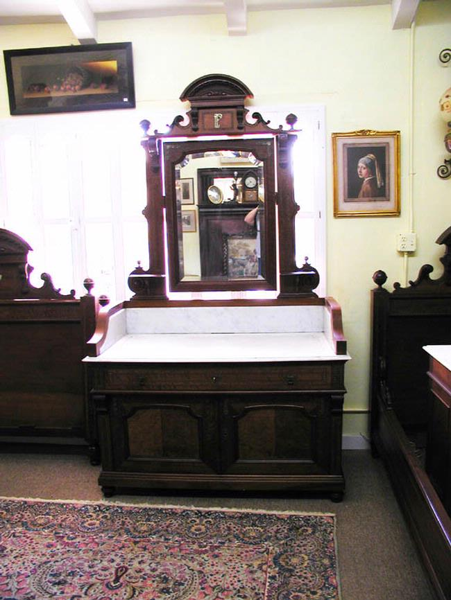 Ten Piece Victorian Bedroom Set